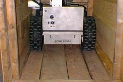 Toycen-Predator-Bomb-Disposal-Robot-10